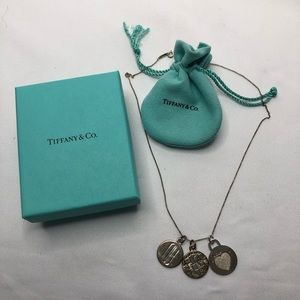 Tiffany & Co 3 Pcs  Clinique Pendant & a Chain